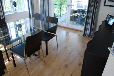 wooden floor restorer in essex
